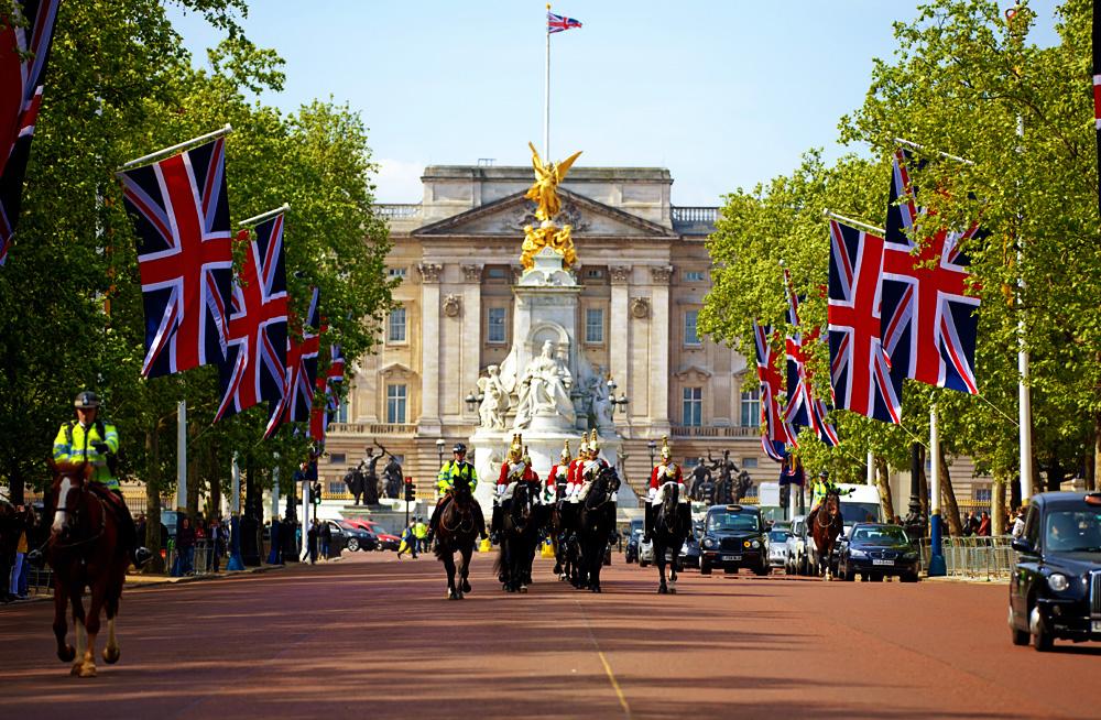 1. Buckingham-Palace